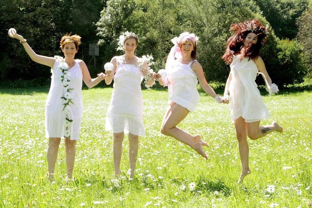 Танец нимф. Танцуй, пока молодой!
