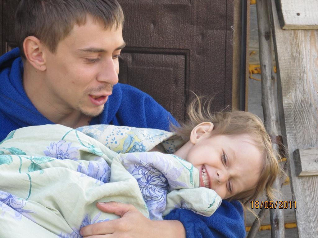 Любовь отца и дочери-мечта любой женщины. Хочу на ручки!
