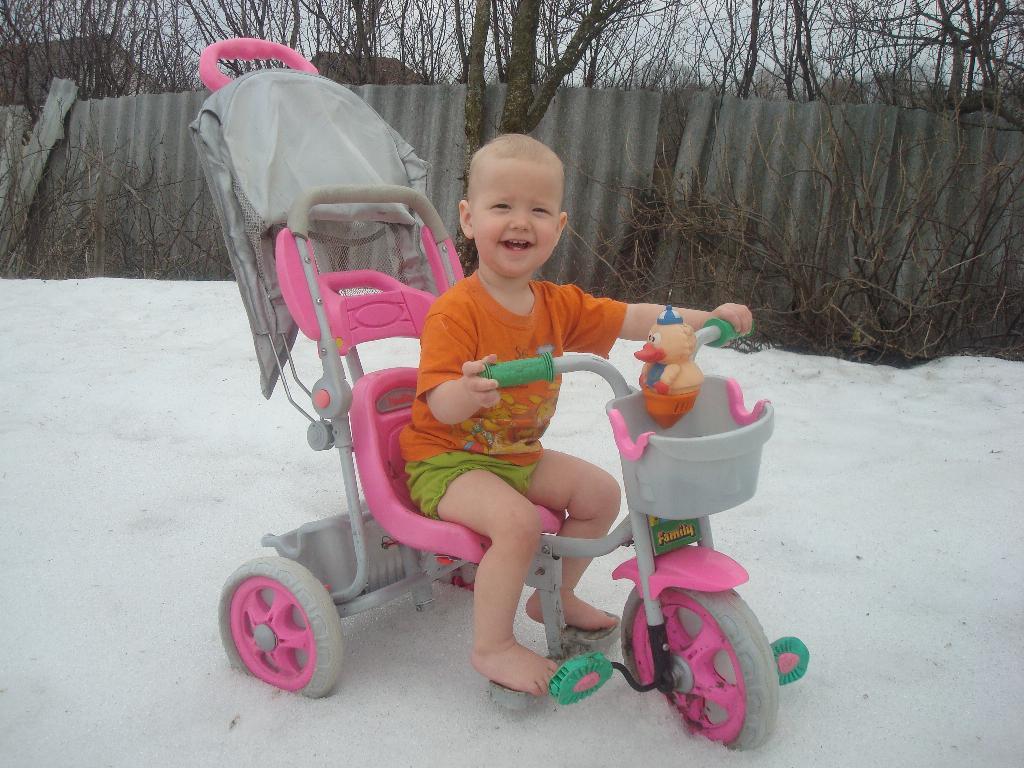 Босиком по снегу, лучше я поеду!. Самый сильный и здоровый!