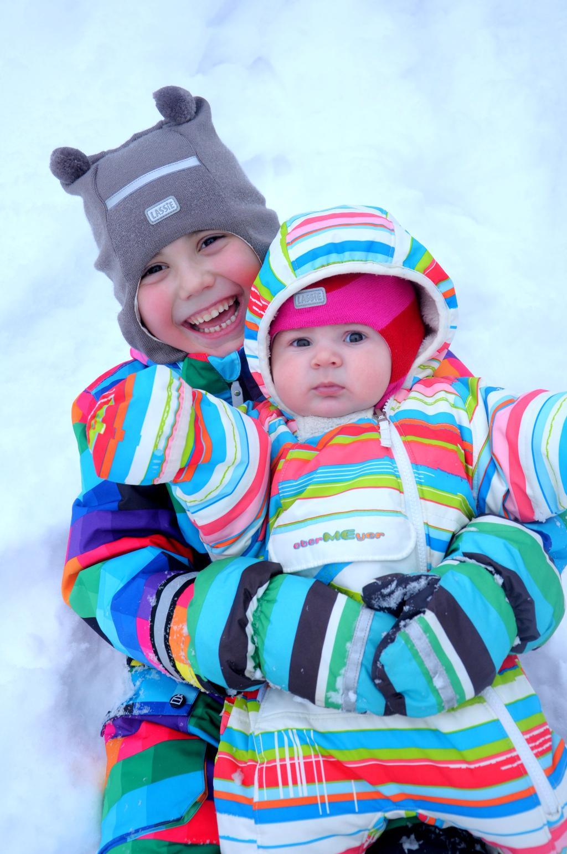 Как здорово валяться в снегу!!!. Самый сильный и здоровый!