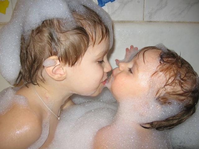 Любовь пенная -обыкновенная. Веселые пузырьки