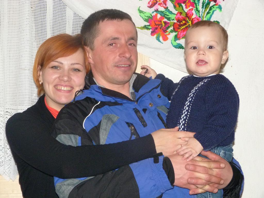 ВЕСЁЛАЯ СЕМЬЯ. Мама, папа, я - счастливая семья!