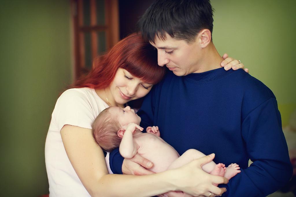 бесценное богатство в наших рука. Мама, папа, я - счастливая семья!