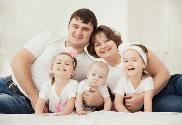 Наша БОЛЬШАЯ семья!. Мама, папа, я - счастливая семья!
