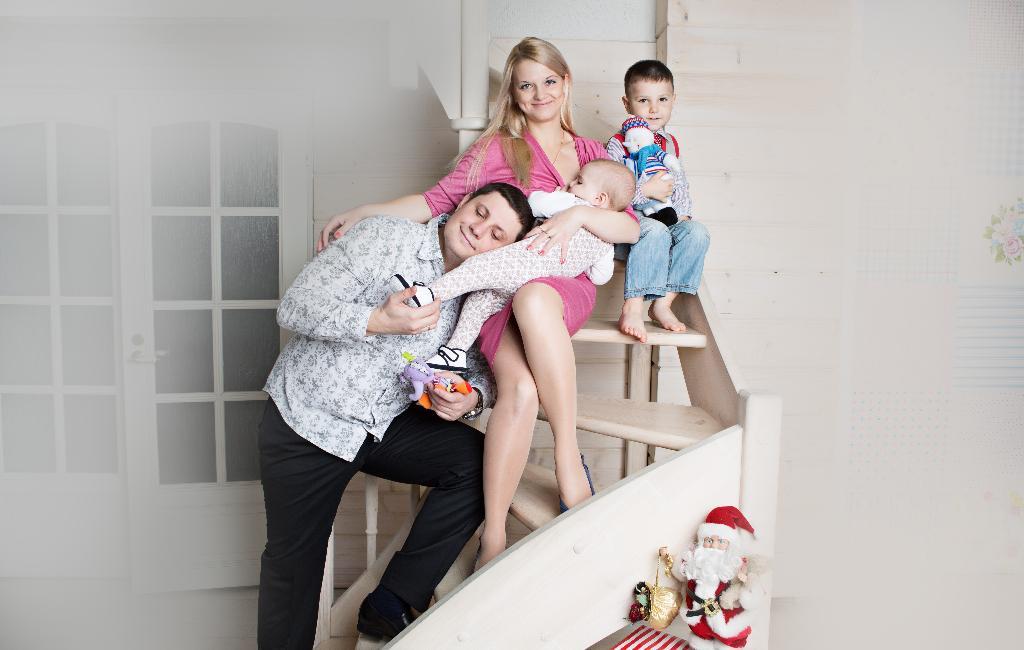 Мама, папа, братик, я - вот наша дружная семья! . Мама, папа, я - счастливая семья!