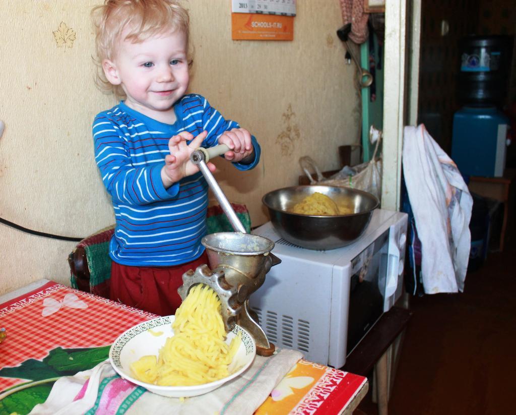 Юный кулинар. Юные кулинары