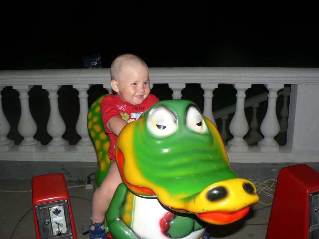 Крокодильчик,ну покатай пожалйуста!!!!!. Пора кататься!