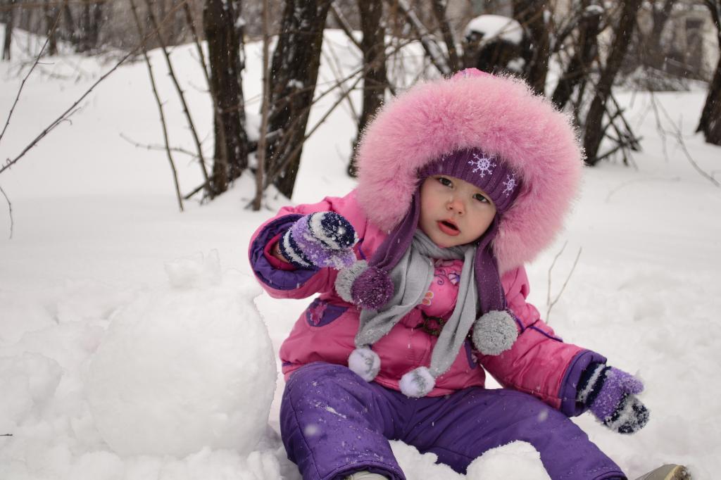 Скоро, Скоро, Скоро, Скоро будет снеговик. Самый сильный и здоровый!