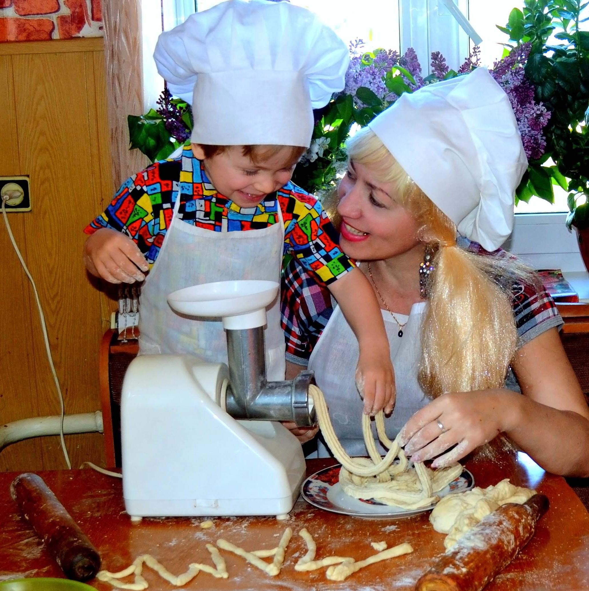 Мама - ты уменя никогда не будешь голодной!!!!. Юные кулинары