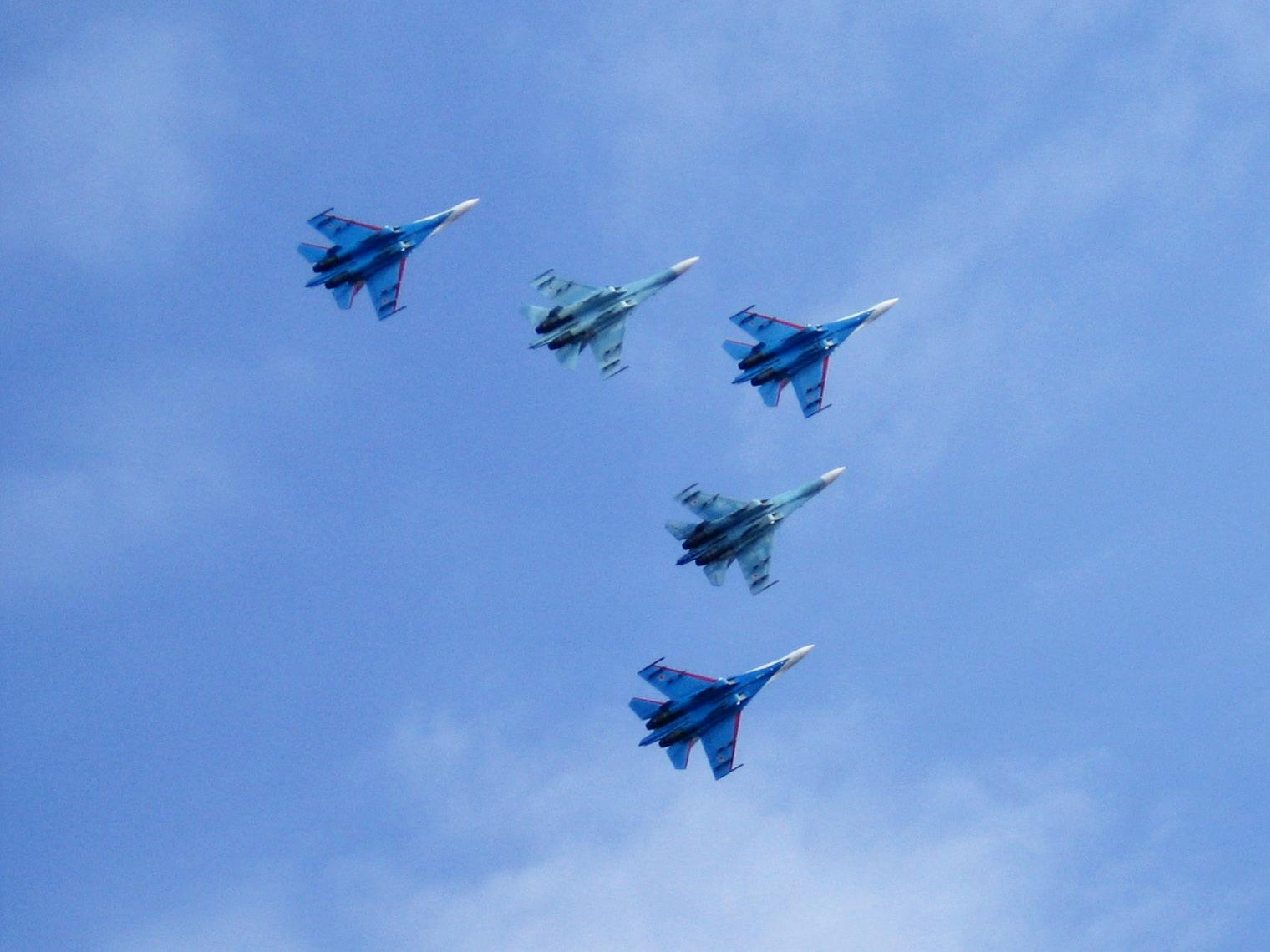 'Стрижи 'в небе. Блиц: синее и голубое