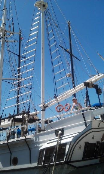 Начало пиратского путешествия в Котор . Юный путешественник