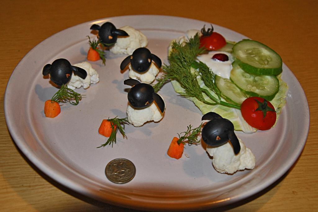 Диетическое блюдо ' Кролики'.. Творческая мама