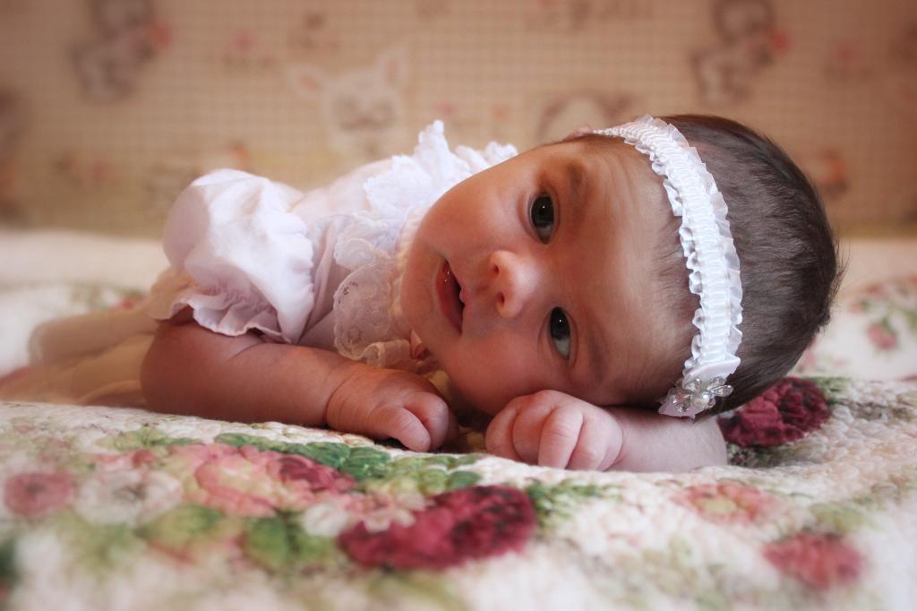 Нашій принцесі 2 тижні життя))). Маленькая модница