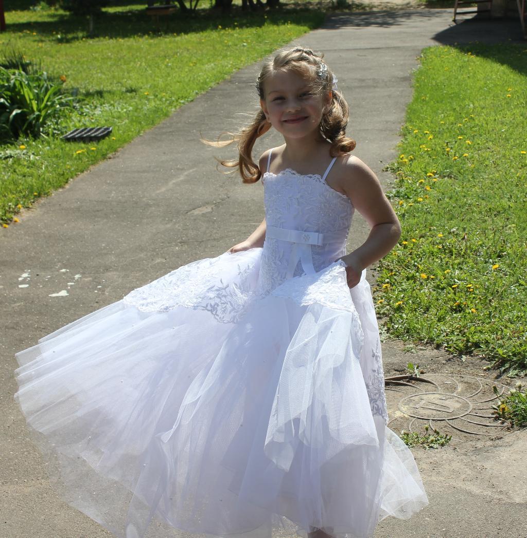 Красота и беззаботность детства. Маленькая модница