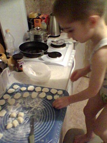 Маленький кулинар!. Юные кулинары