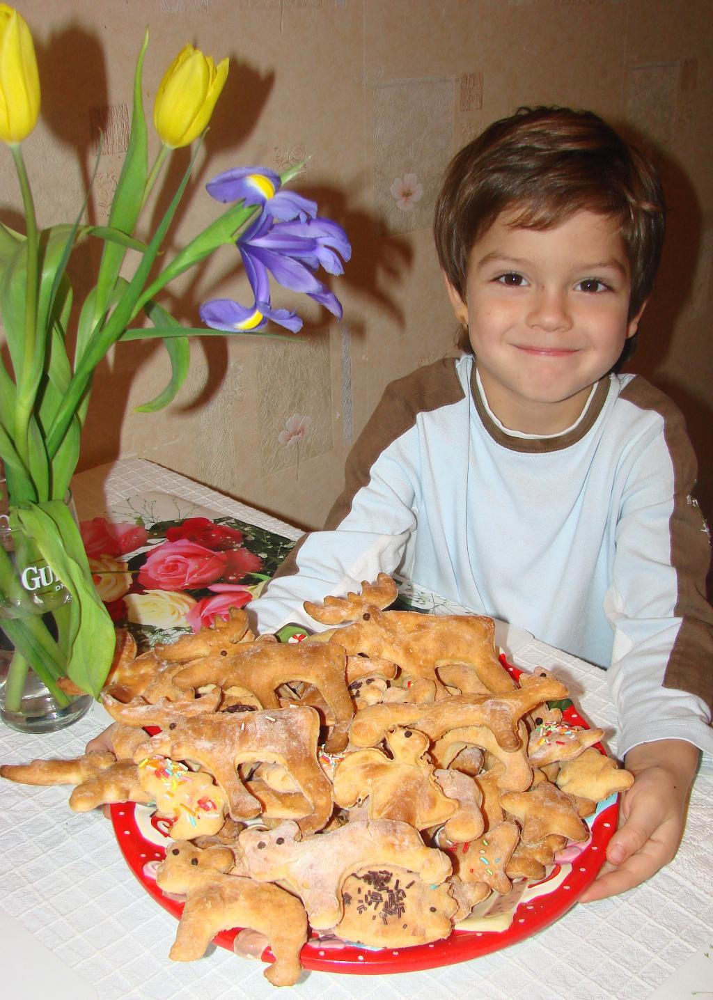Новогоднее печенье для друзей. Юные кулинары