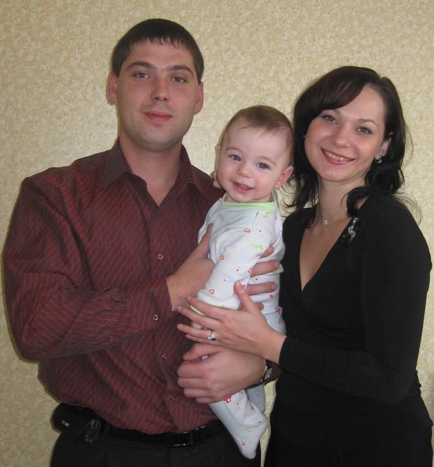 Наша ячейка. Мама, папа, я - счастливая семья!