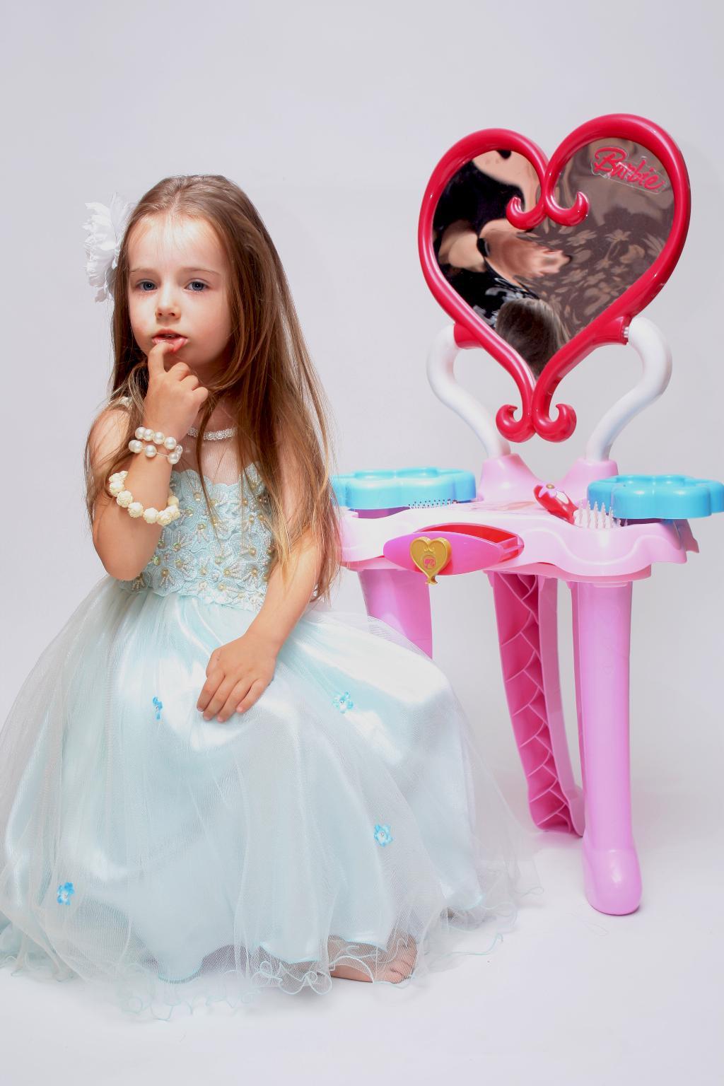 Неужели не принцесса?. Маленькая модница