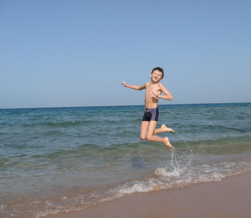 Радость встречи с Красным морем!. Побегаем-попрыгаем