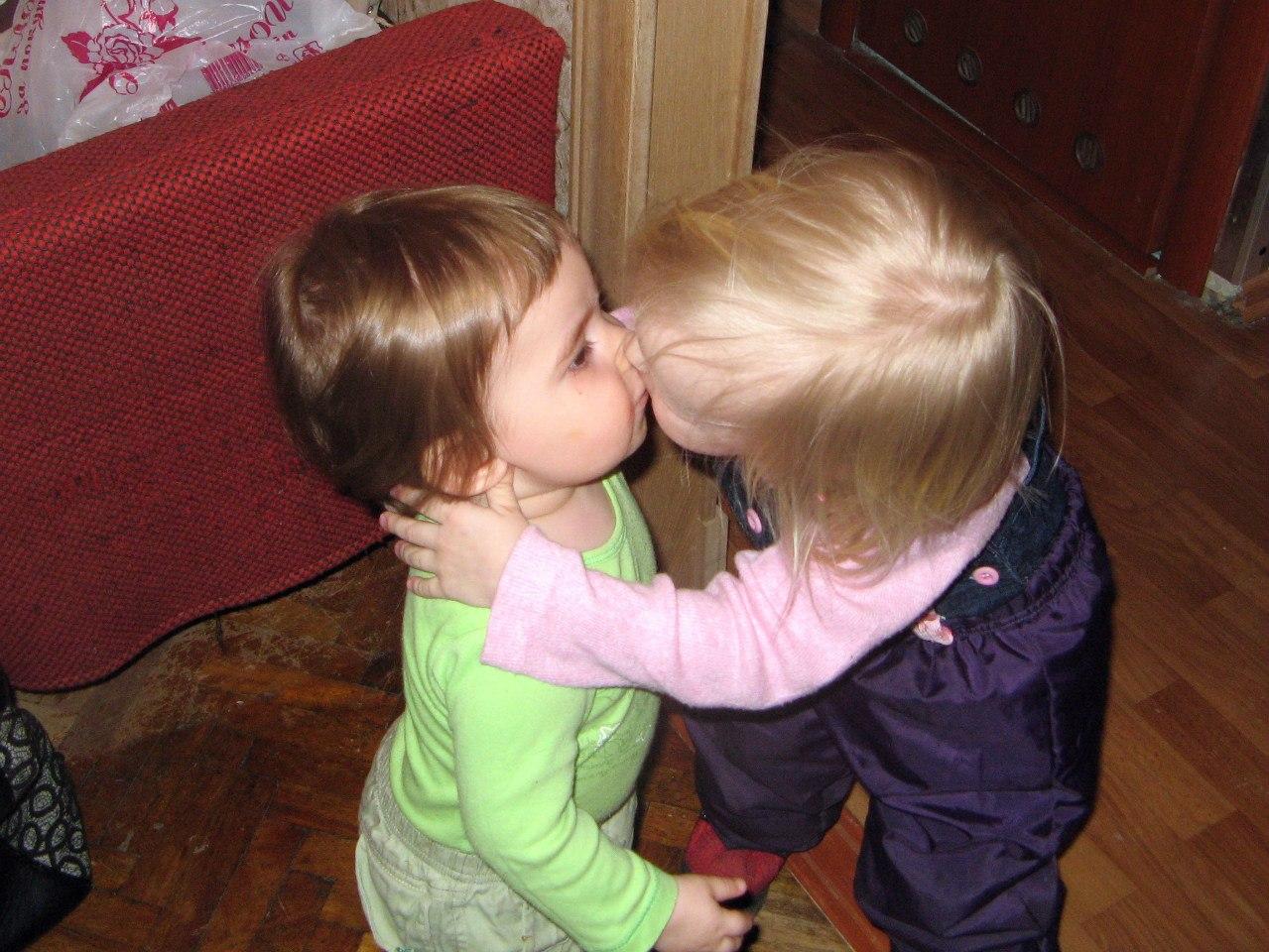 Первый поцелуй. Настоящие друзья