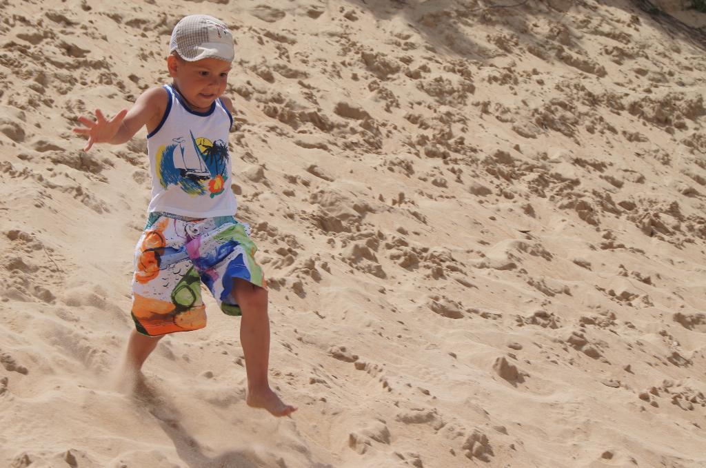 Бег по песочку. Побегаем-попрыгаем