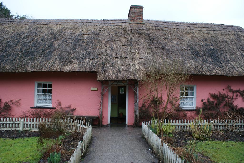 Розовый дом. Блиц: розовое