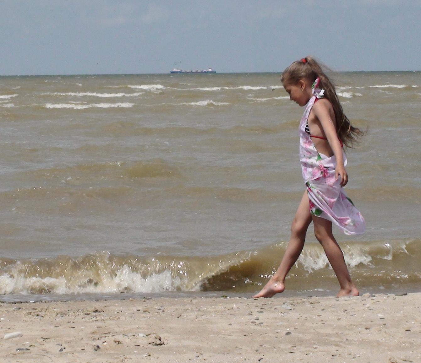 Легкой поступью.... По морям, по волнам...