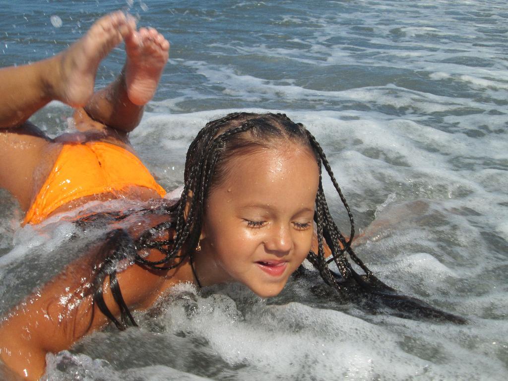 Катаемся на волнах. По морям, по волнам...