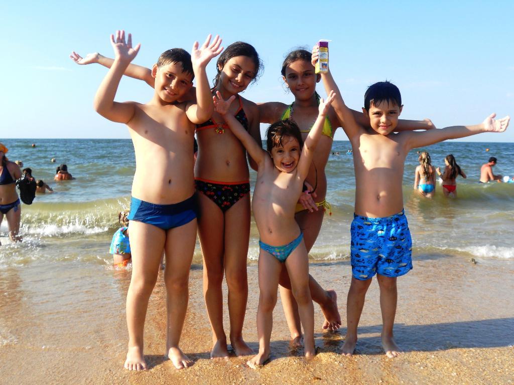 плавать вместе-веселей!!!!!!!!!!!!!. По морям, по волнам...