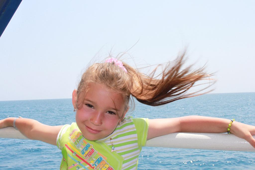 Ах, ветерок :). По морям, по волнам...