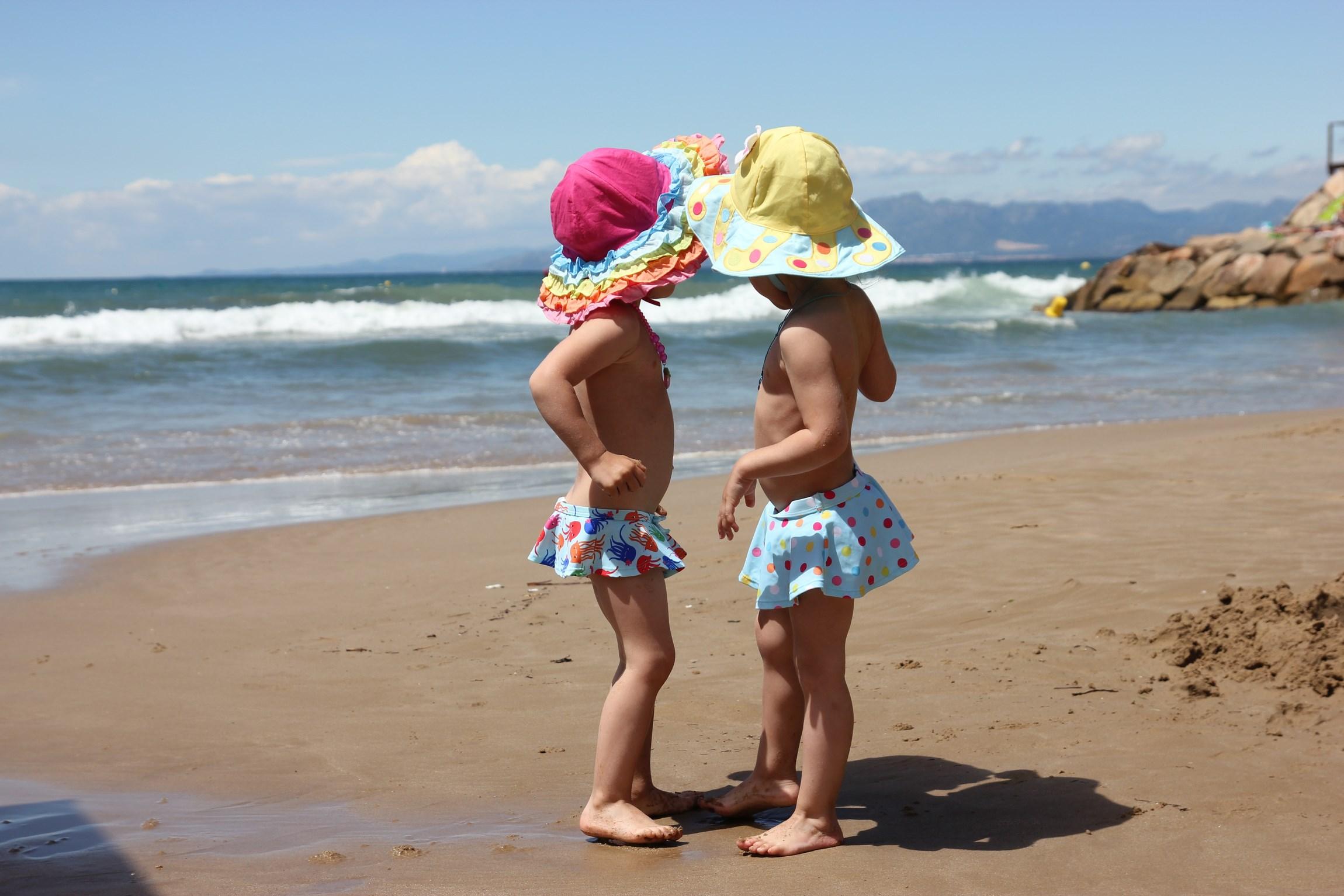 Близнецы в Испании. По морям, по волнам...