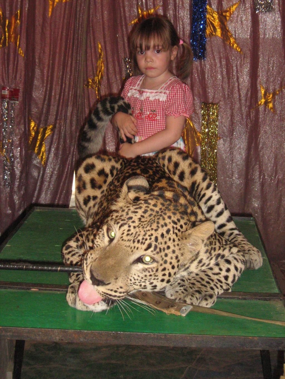 а у на леопард лучший друг. Братья наши меньшие