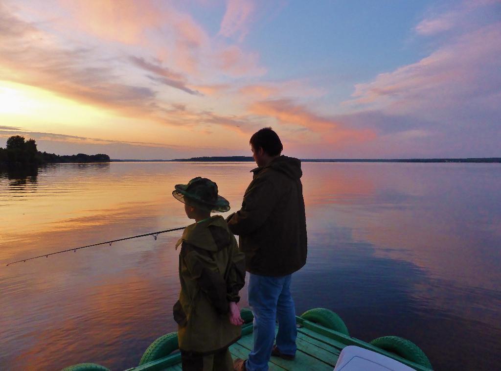 Рыбалка на закате.. Отдыхаем всей семьей