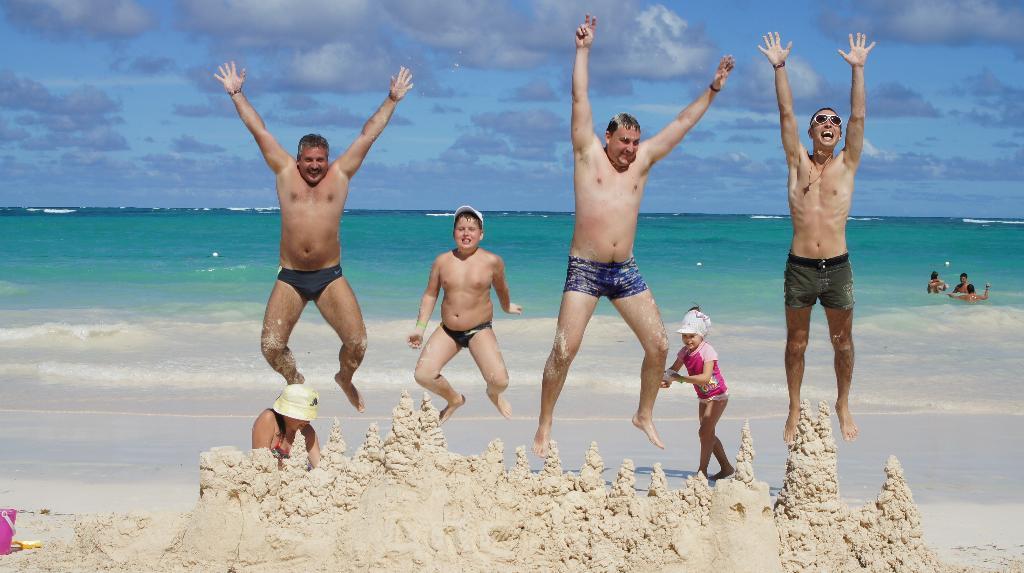 Открытие поста ДПС в Доминикане!:). По морям, по волнам...