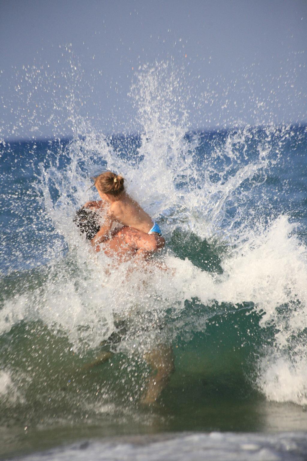 Брызги прибоя. По морям, по волнам...