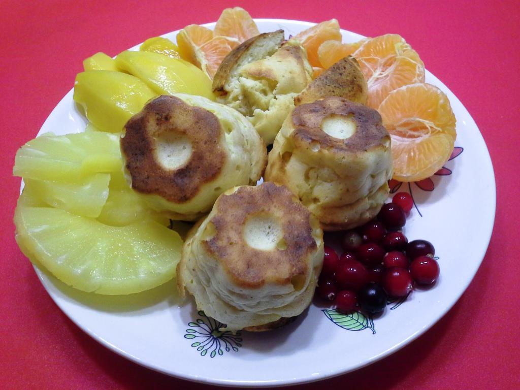 Сырники в духовке и фрукты. еда похудательная
