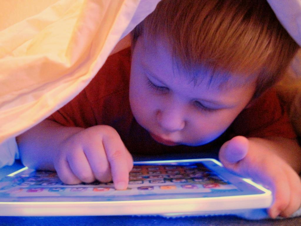 Тет-а-тет с планшетом. Ребенок и гаджеты