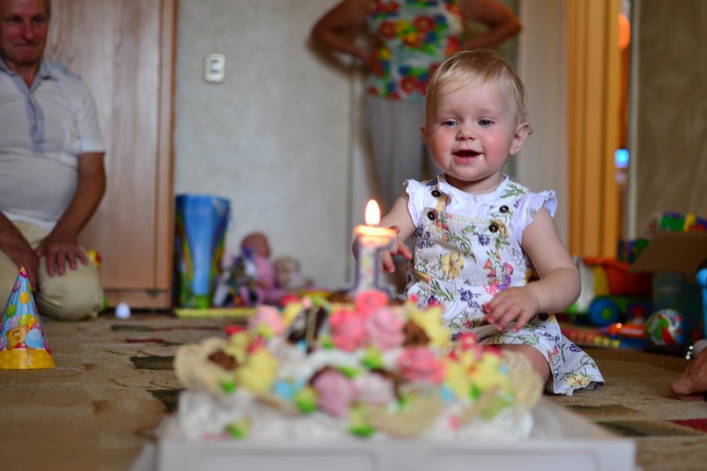 Анечке один годик!. Именинный пирог