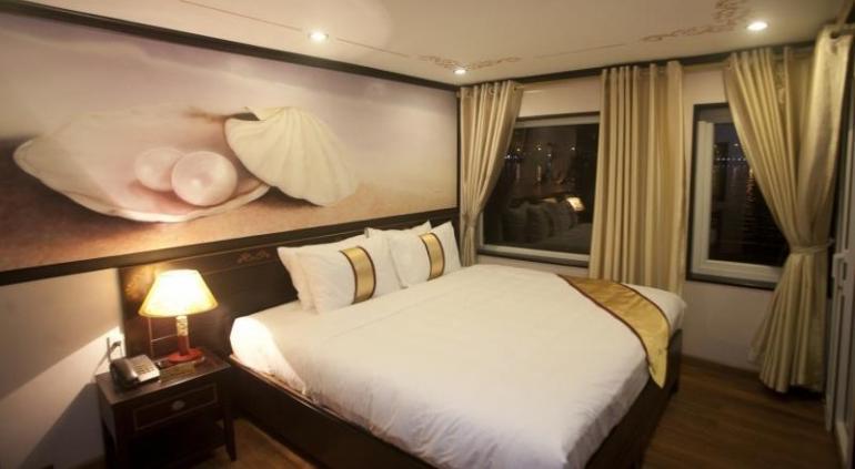 Huong Hai Sealife Cruise.
