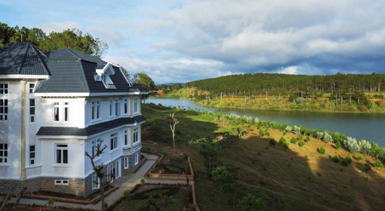Sacom Resort.