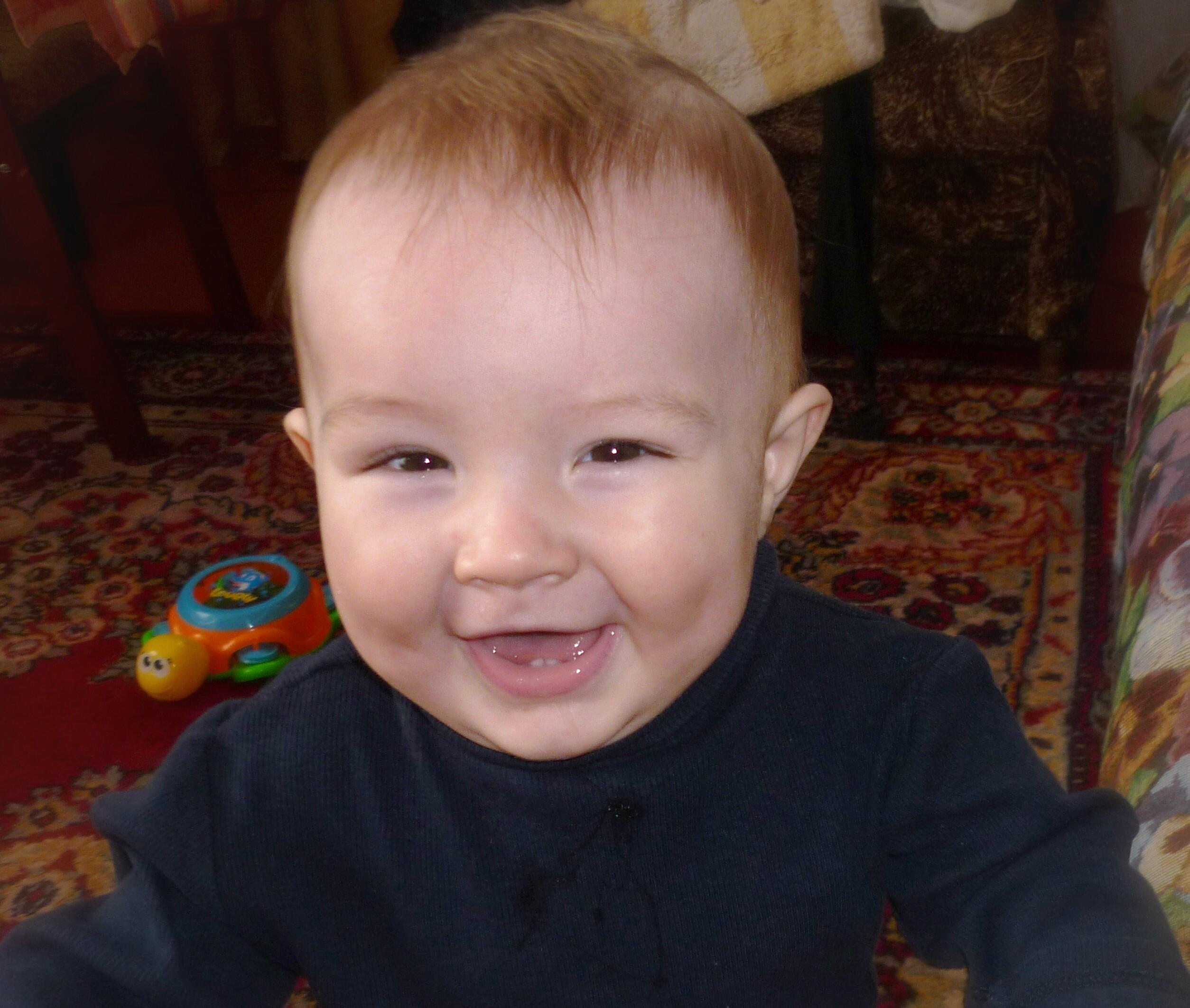Вот они-мои первые зубки!!!. Мой первый зубик