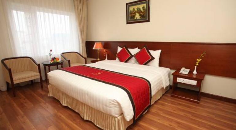Sunny Hotel.