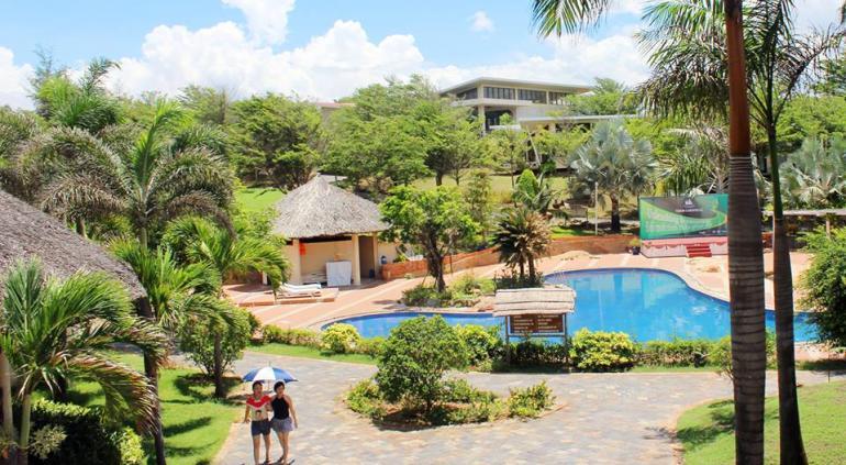 Lazi Beach Resort (Mỏm Đá Chim).