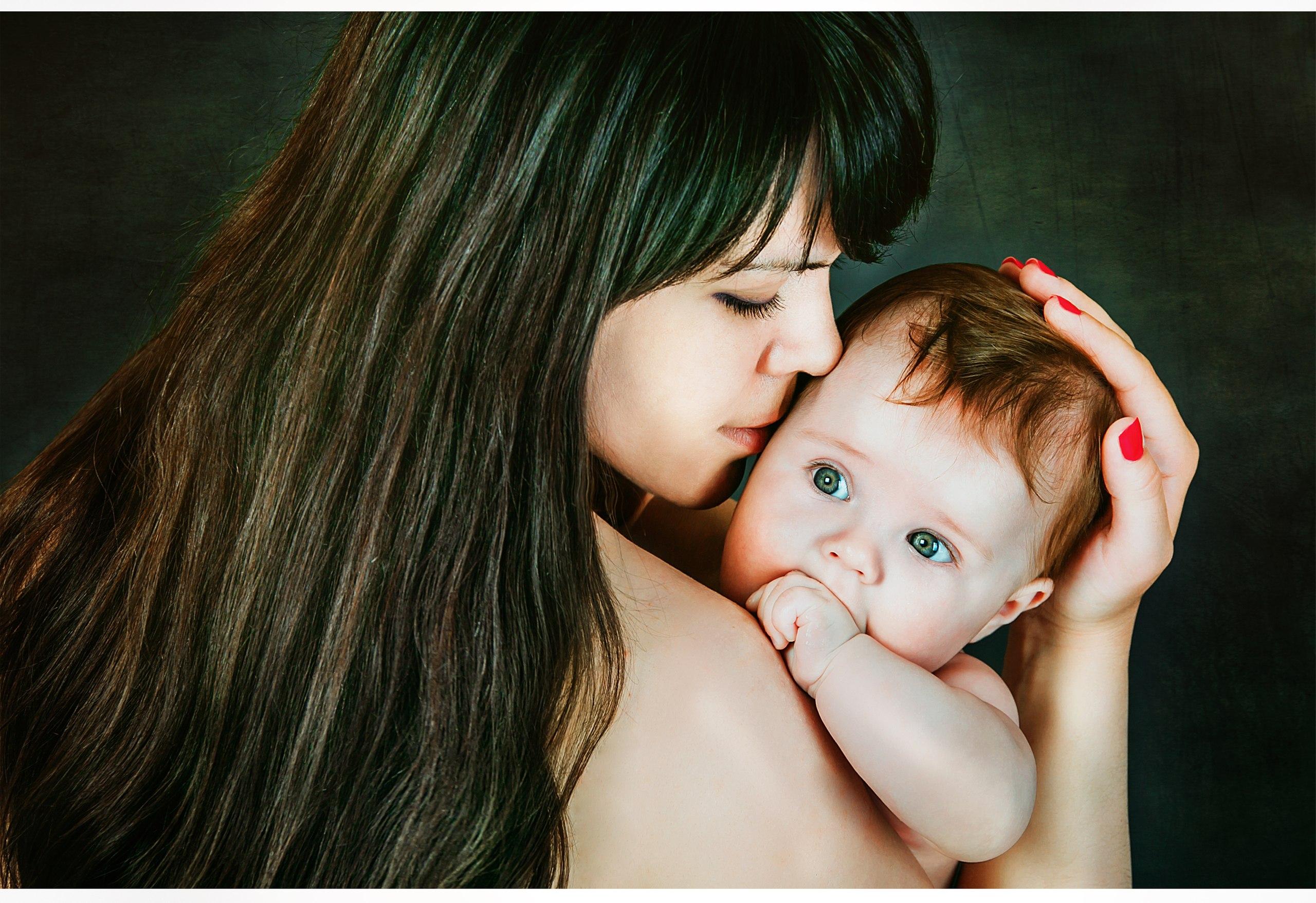 С мамочкой. Вместе с мамой