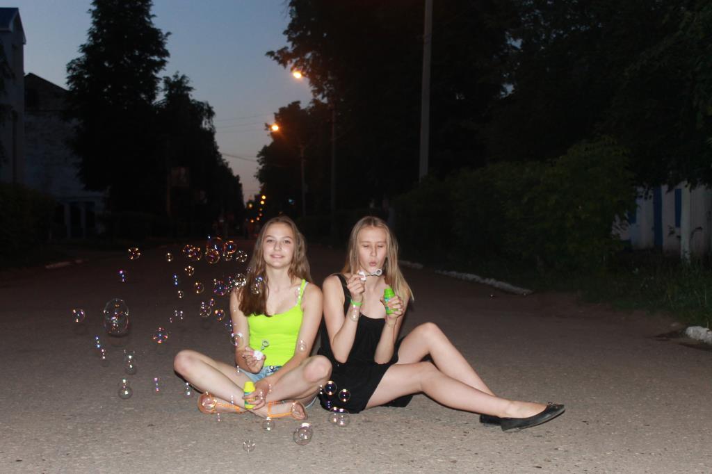 Девочка 9 лет сосет член