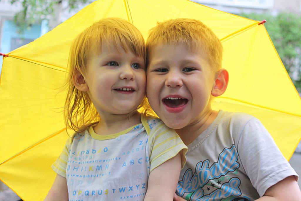 Веселый летний дождь. Счастливое детство