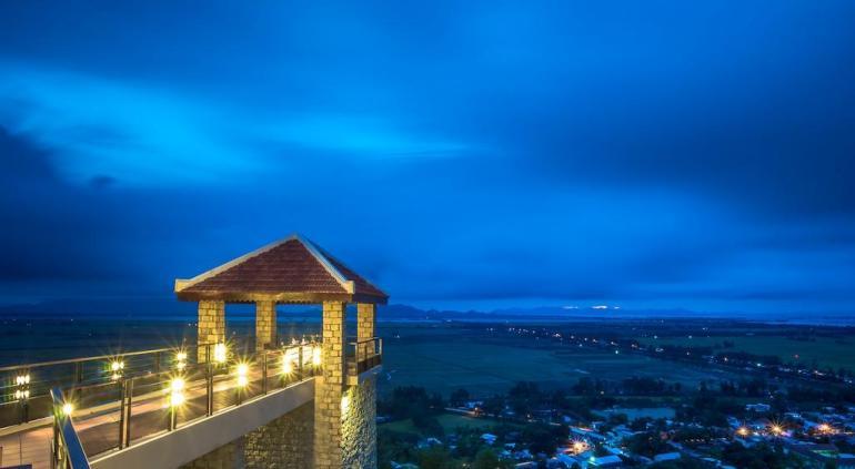 Victoria Nui Sam Lodge.