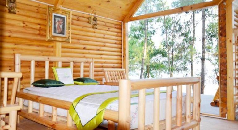 Phu Ninh Lake Resort.