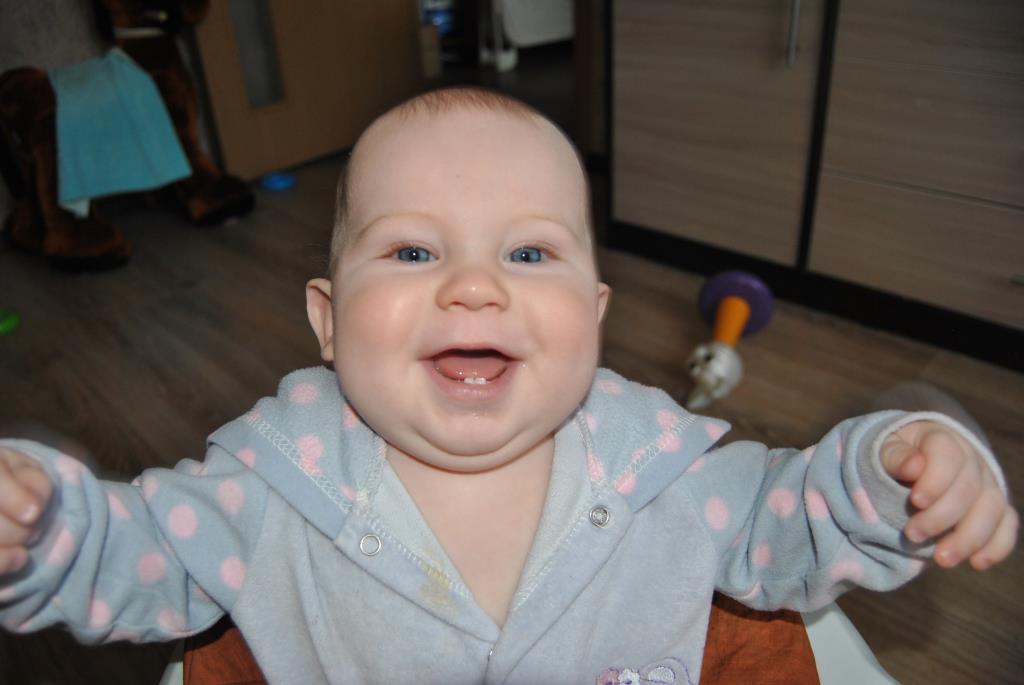 Первые зубки!. 'Дантинорм Бэби' – каждый зубик в радость!