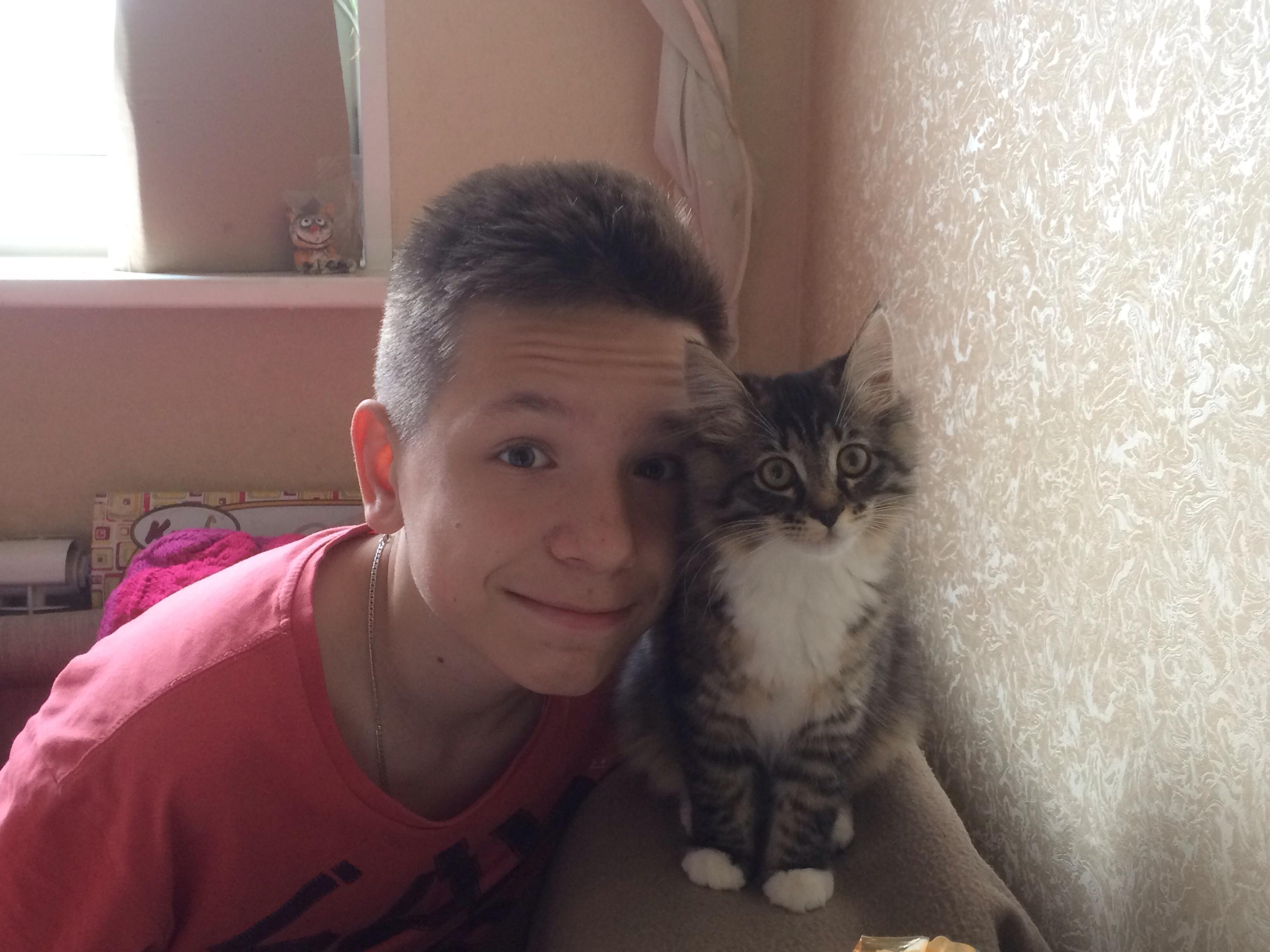 Если нет у вас кота, кого вы любите тогда??)). Зверье моё